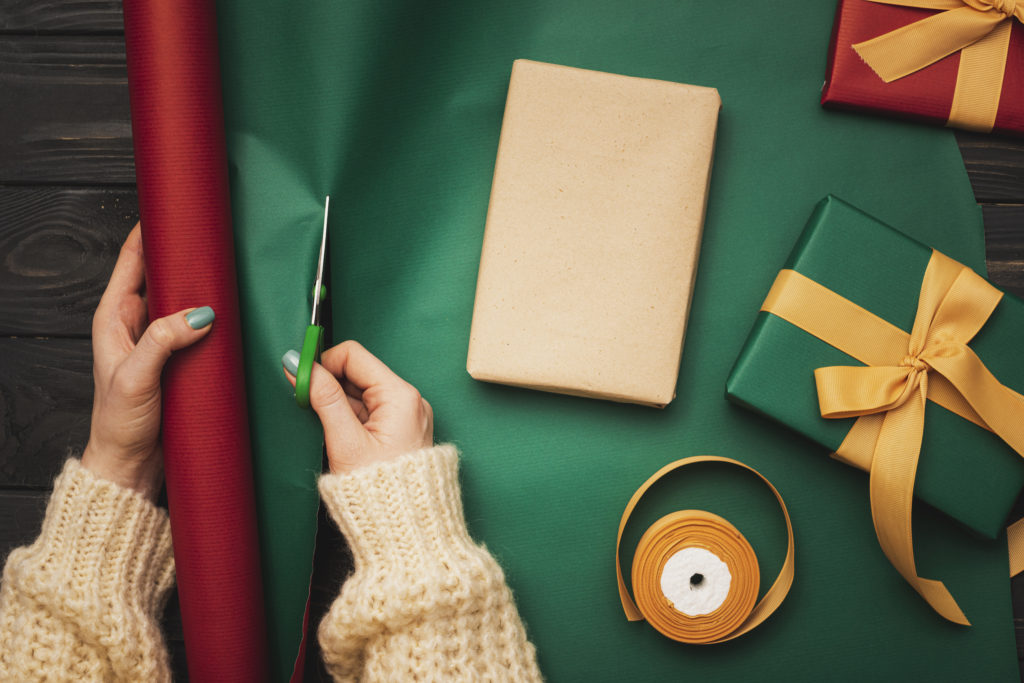 Use of Eco-Friendly Christmas Wrapping Paper and its Environmental Impact (5)